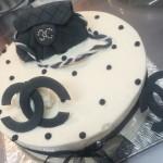 シャネルロゴケーキ