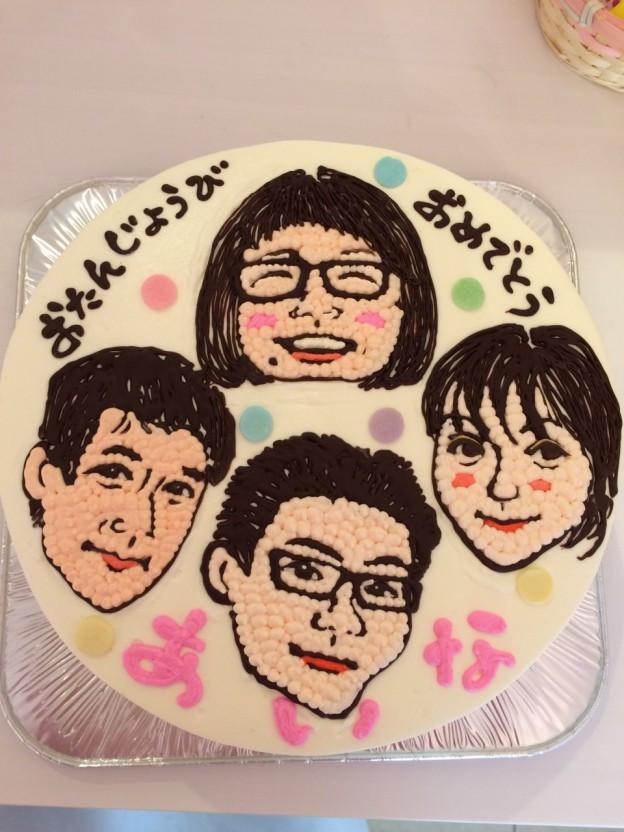 似顔絵バースデーケーキ