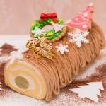 【クリスマスケーキ☆2015】 ★ブッシュドノエル(スイートポテト&マロン)  人気のロールケーキ2種をクリスマス限定でコラボ!  自家製スイートポテトをまるごと巻いてロールケーキに。 仕上げにはモンブランクリームを贅沢に絞った逸品。 濃厚な生クリームとの相性もバッチリ! 手作りアイシングクッキーの飾りで可愛さプラス♡  [限定30台] ¥4,500(税込) お渡し期間:12/22〜25 受付期間:〜12/20(予定数に達し次第受付終了) 店頭またはお電話にて受付しております。 052-228-8262 ※クリスマス期間中(12/22〜25)のキャラクター、似顔絵オーダーケーキは、各日台数限定。 特別料金にて先着受付。   詳細はお問い合わせ下さい。 12/20(日)は営業致します。 12/23.24.25は20:00まで営業致します。 当日売りも予定しておりますが、お早めにご予約下さい。 年末年始は、12/31〜1/6まで お休みさせて頂きます。  年始の干支ケーキは近日公開♡お楽しみに♡
